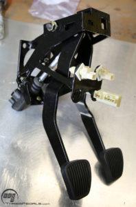 Pedals front left